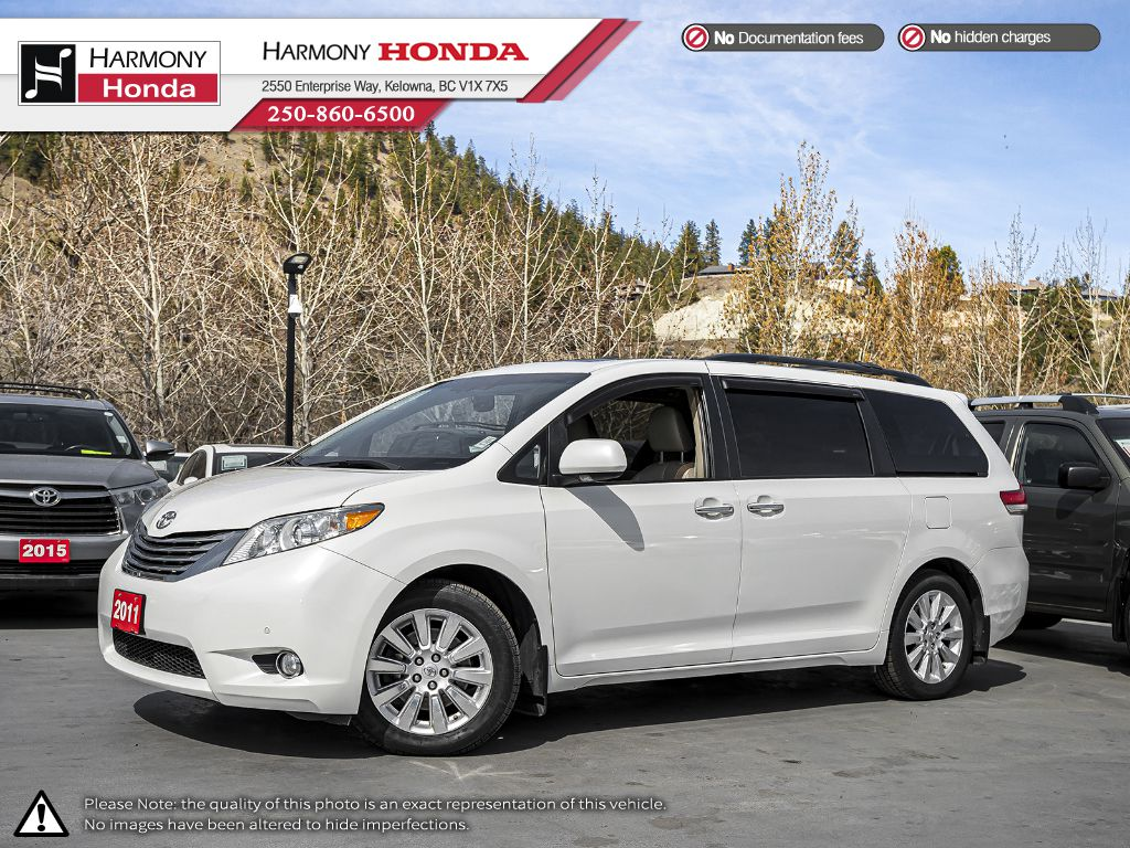 Pre-Owned 2011 Toyota Sienna Limited - BC VEHICLE - SUNROOF - BACKUP CAMERA - NAVIGATION SYSTEM - BLUETOOTH - NEW TIRES